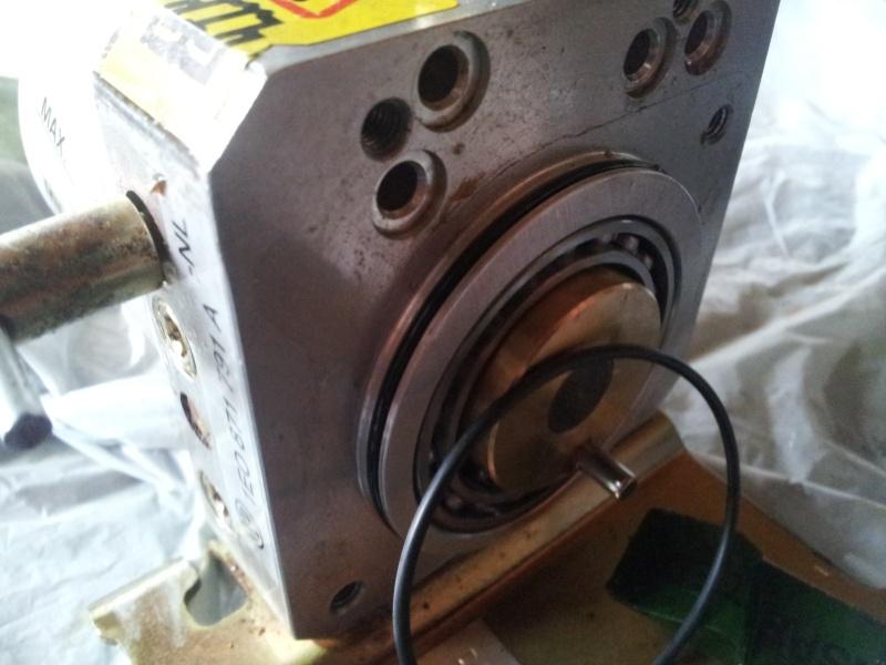 Remplacement du pignon d 39 entrainement de capote - Demonter un radiateur electrique ...