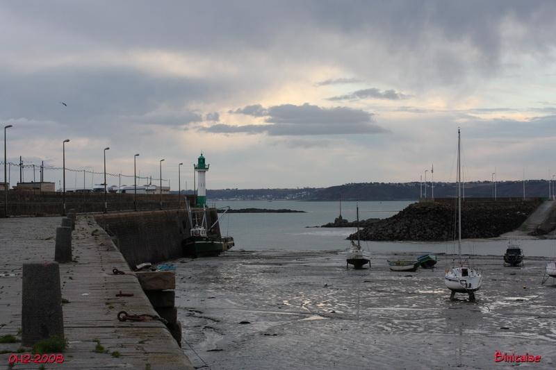 Saint Quay Portrieux . Port d'échouage. dans Bretagne portri23