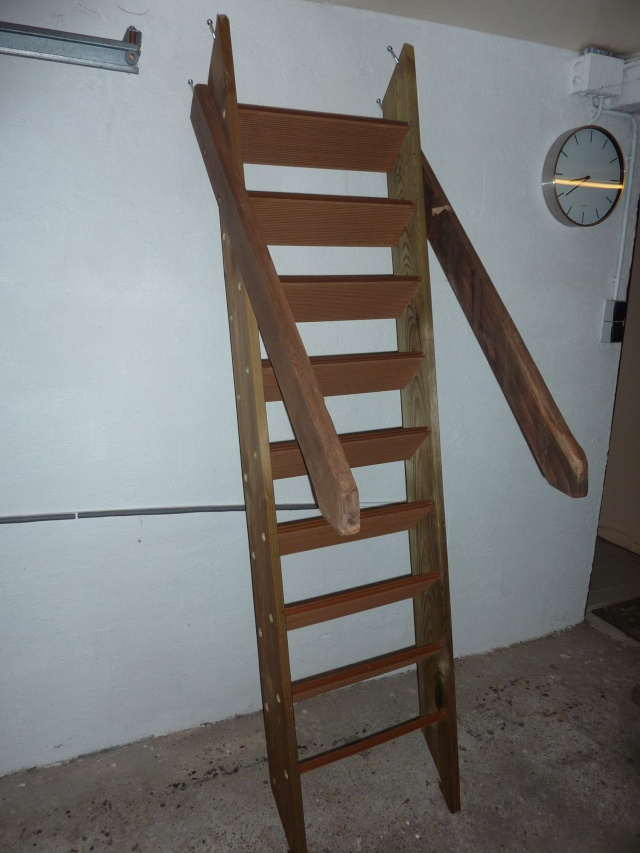 toboggan escalier escalier toboggan duintrieur pour transformer la maison en aire de jeux. Black Bedroom Furniture Sets. Home Design Ideas