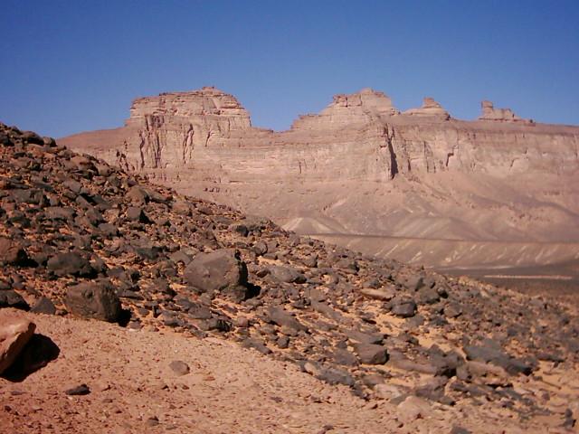 للجان مملكة 'أيندينان' بالصحراء الليبية dsci0010.jpg