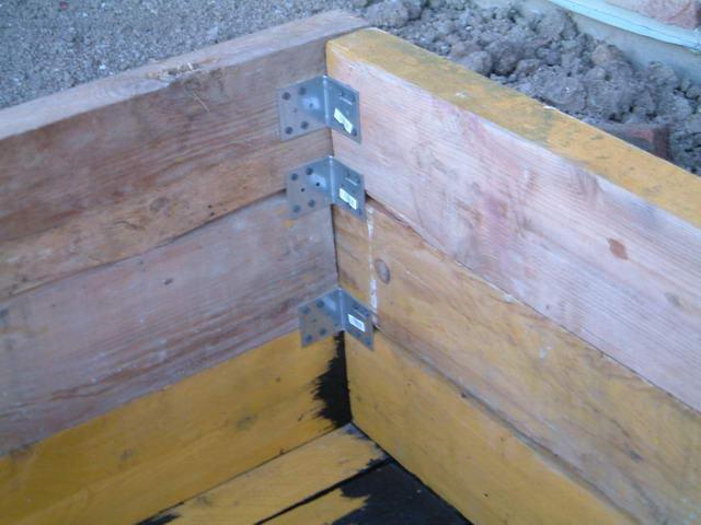 Construction bassin hors sol - Fabriquer un bassin en bois ...