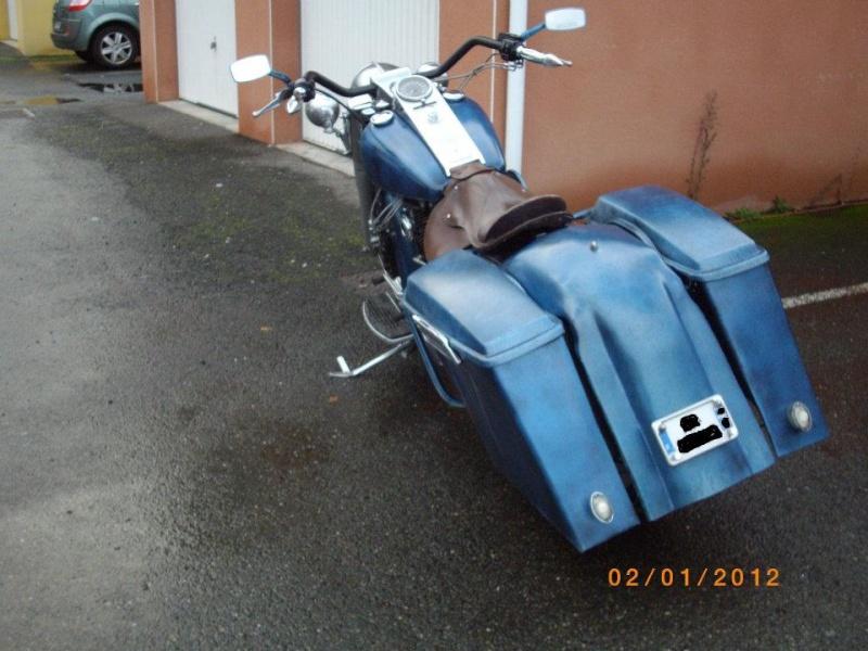 La moto est de 2000 la peinture de 1945 for Peindre a la bombe carenage moto